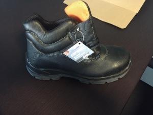 "Защитная обувь и ботинки бренда ""U POWER"" от компании Stockist.it"