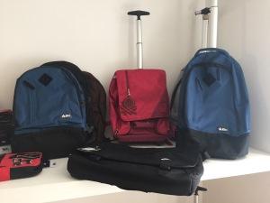 Дорожные сумки, рюкзаки Lonsdale, Ducati, Kubo, Barbie, Vans, Benetton, Hello Kitty от Stockist Italy